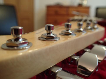 fender-single-height-locking-tuners